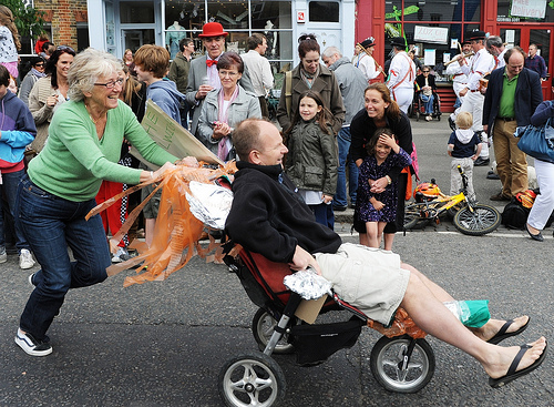 Dulwich Village Pram Race photo by Ingrid Beazley