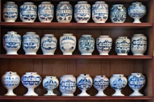 Hoffbrand Collection English delftware apothecary jars 1640 – 1745. Image courtesy of Royal College of Physicians