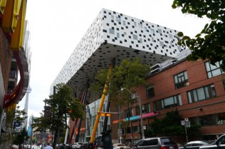 The Ontario College of Art and Design (now OCAD University) in Toronto,  whose daring extension, completed in 2004, was designed by British  (Peckham Library) architect Will Alsop