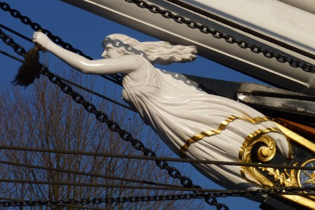 CuttySark_replicaofNannyfigurehead