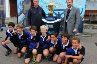 Webb-Ellis-Trophy-Dulwich-College master and boys