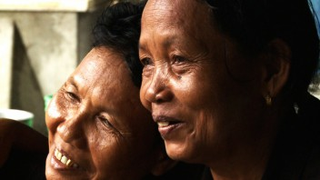 Two girls against the rain, Directed by Sopheak Sao - Cambodia