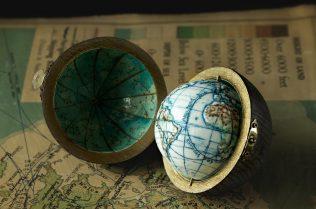 loraine-rutt-small-world-detail-photo-gareth-sambidge